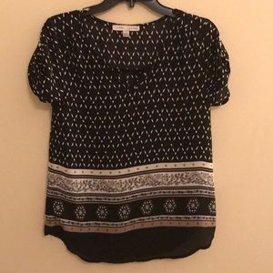 Black and Cream pattern style blouse small